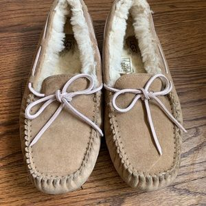 UGG Sherpa lined slippers, pink tie.